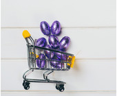 Ostereier im Einkaufswagen