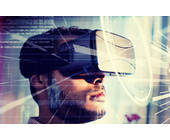 Mann mit VR-Brille von Oculus