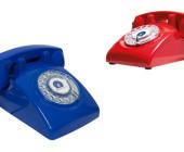 Bei Telefonanschluss.de gibt es den Gegenentwurf zum Smartphone: Das Pick-up-Fon in Gestalt eines alten Wählscheibentelefons mit SIM-Karteneinschub.