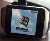 Nostalgie am Handgelenk: Der 16-jährige Programmierer Corbin Davenport hat Microsofts Windows 95 auf einer Samsung Smartwatch zum Laufen gebracht.