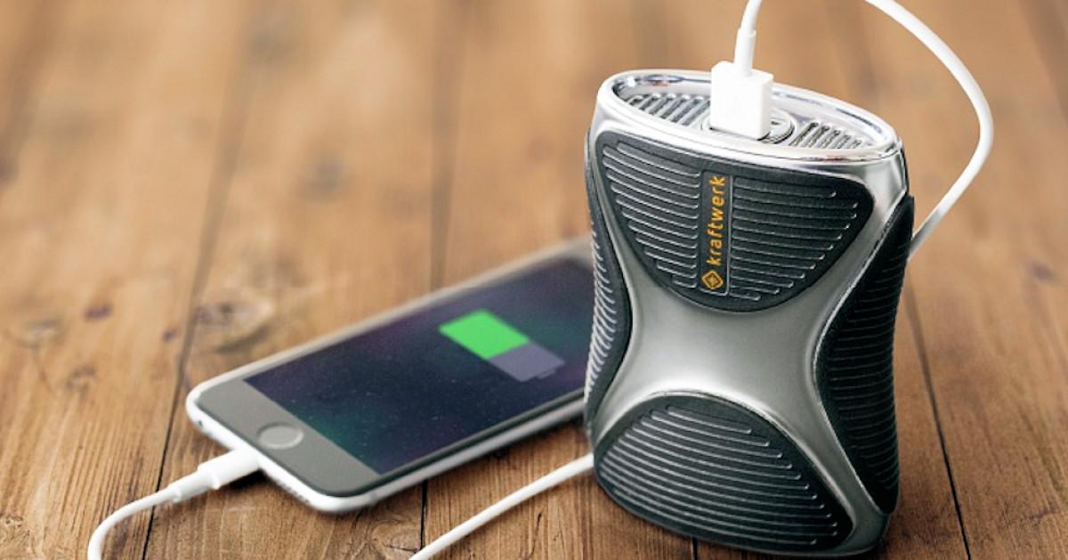 smartphone mit camping feuerzeug gas laden. Black Bedroom Furniture Sets. Home Design Ideas