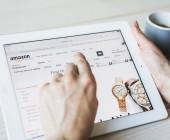 Ein Tablet mit der Amazon App