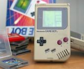 Nintendo Game Boy mit Spiel