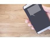Smartphone mit Sprechblase