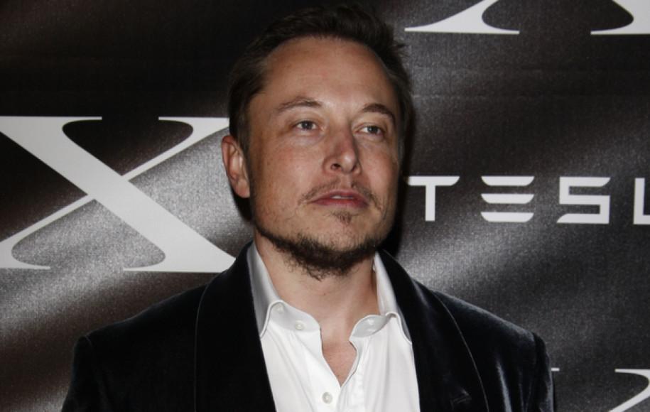 Tesla präsentiert kleinen Supercharger für die Stadt