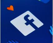 Facebook-Logo auf einem Smartphone-Display